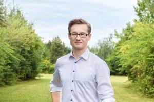 Bernhard Seeber im Garten